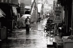 wet alley (nong tang)  © china.sixty4 on Flickr