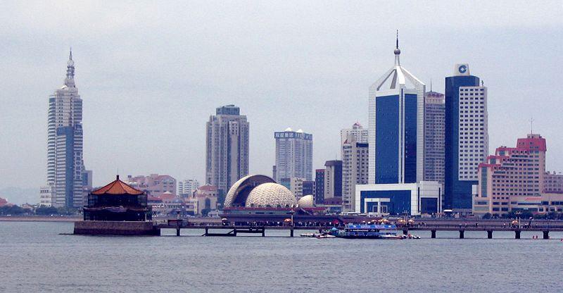 Qingdao Pier/Jiaozhou Bay, Qingdao, Shandong. Photo: M. Weitzel   Wikimedia Commons