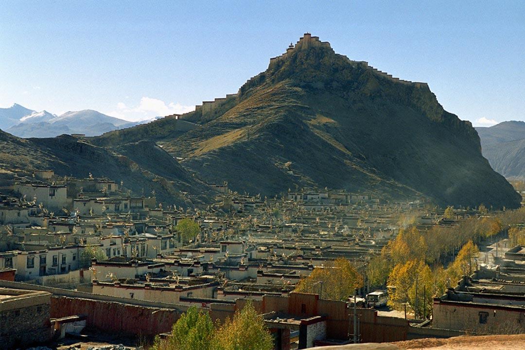 Palcho Monastery, Gyangze, Tibet - Photo by Jan Reurink.
